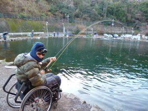 冷え込んだ冬の釣りでも快適